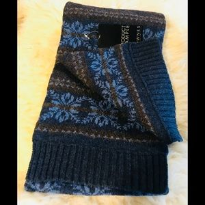 Other - 🧣 💯 lambswool winter scarf blue brown 9x60 NWT